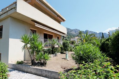 House for sale in BEAULIEU-SUR-MER  - 6 rooms - 152 m²