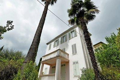 - 7 rooms - 140 m²