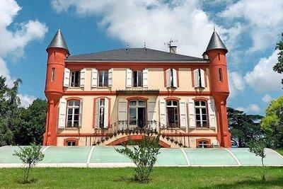 - 11 rooms - 450 m²