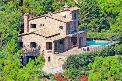 Maison à vendre à THEOULE-SUR-MER  - 6 pièces - 250 m²