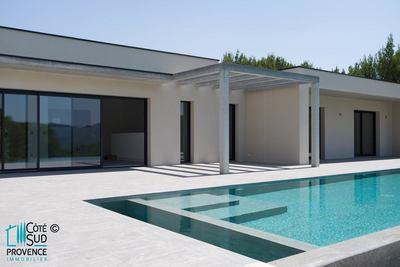 - 6 pièces - 220 m²