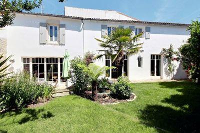 Maison à vendre à STE MARIE DE RE  - 7 pièces - 257 m²