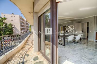 Apartment to rent in BEAULIEU-SUR-MER  - 3 rooms - 108 m²