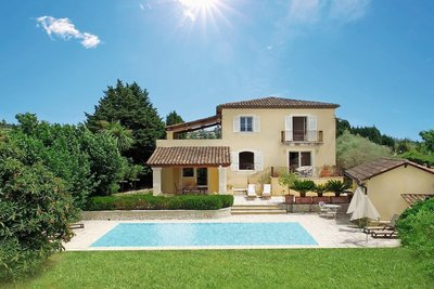Maison à vendre à LA COLLE-SUR-LOUP  - 6 pièces - 250 m²
