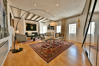 House for sale in UZES  - 7 rooms - 172 m²