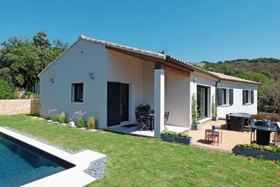 Maison à vendre à SUZE LA ROUSSE  - 5 pièces - 213 m²