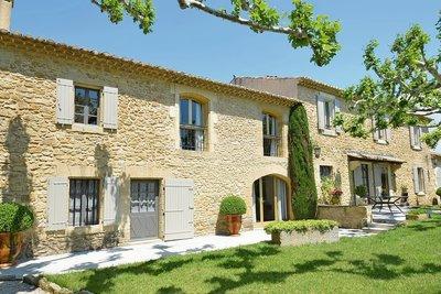 Maison à vendre à CAVAILLON  - 11 pièces - 380 m²