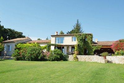 Maison à vendre à EGUILLES  - 9 pièces - 310 m²