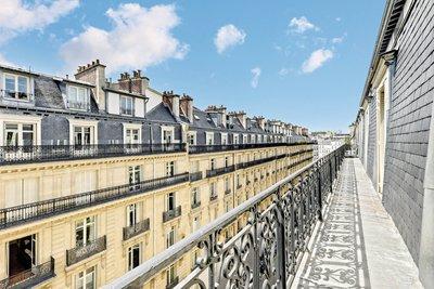 Appartement à vendre à PARIS 17EME  - 6 pièces - 200 m²