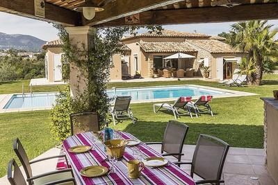 Maison à vendre à CAGNES-SUR-MER  - 8 pièces - 290 m²
