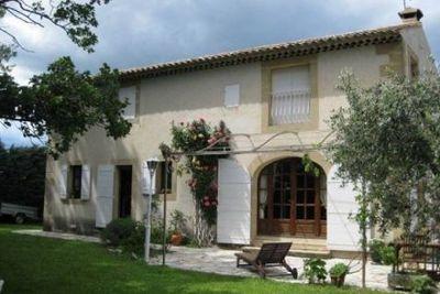Maison à vendre à SENAS  - 6 pièces - 150 m²