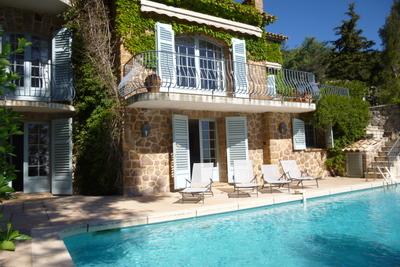 Maison à vendre à THEOULE-SUR-MER  - 10 pièces - 300 m²