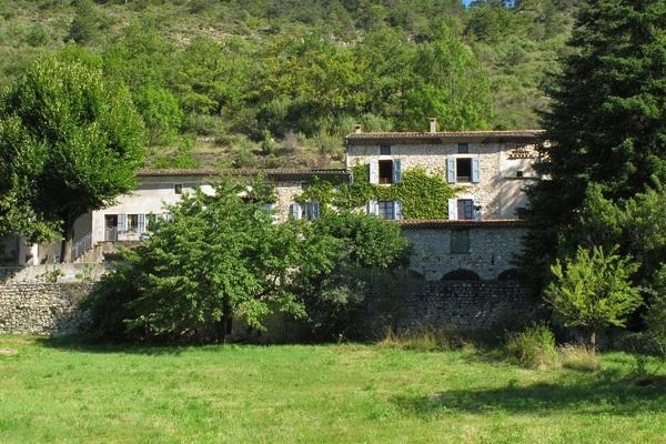 MONTCLAR SUR GERVANNE - Annonce Maison à vendre15 pièces - 450 m²