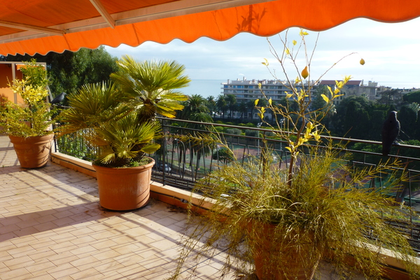 MENTON - Advertisement Apartment for sale 4 rooms - 101 m²