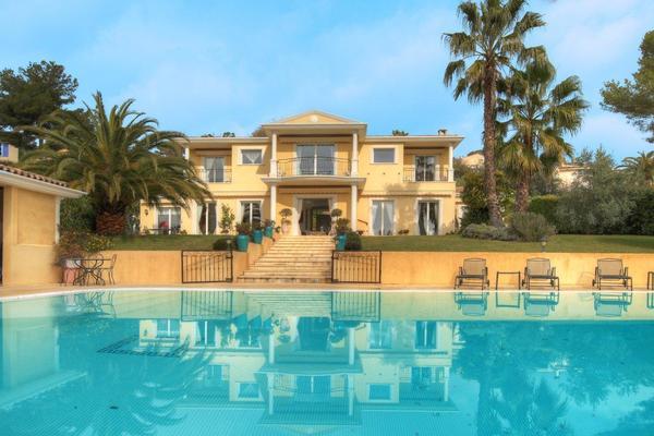 MOUGINS - Annonce Maison à vendre5 pièces - 350 m²