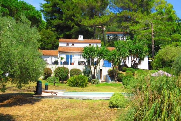 MOUGINS - Annonce Maison à vendre6 pièces - 150 m²