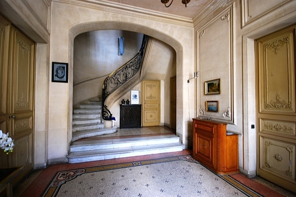 SALON-DE-PROVENCE - Annonce Maison à vendre15 pièces - 460 m²