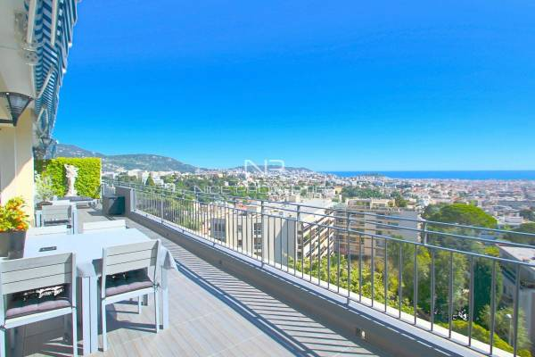 NICE - Advertisement Apartment for sale6 rooms - 134 m²