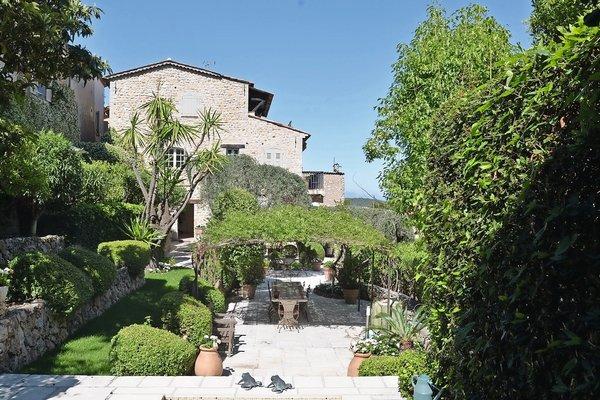 MOUGINS - Annonce Maison à vendre5 pièces - 190 m²