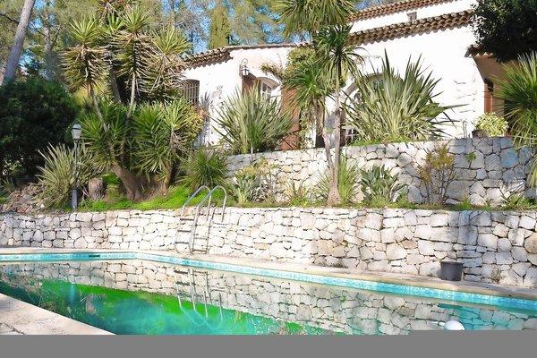ROQUEFORT-LES-PINS - Annonce Maison à vendre6 pièces - 220 m²