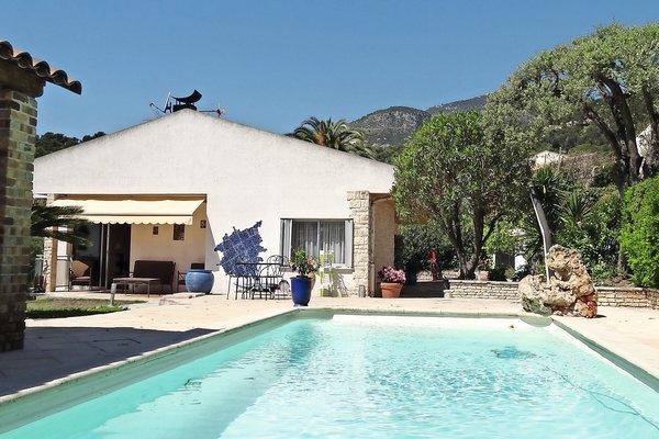 ROQUEBRUNE-CAP-MARTIN - Annonce Maison à vendre6 pièces - 250 m²