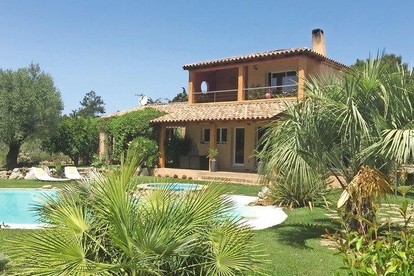 MEYREUIL - Annonce Maison à vendre8 pièces - 220 m²