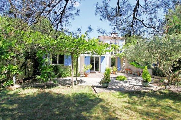 ARLES - Annonce Maison à vendre8 pièces - 140 m²