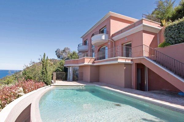 THÉOULE-SUR-MER - Annonce Maison à vendre5 pièces - 240 m²