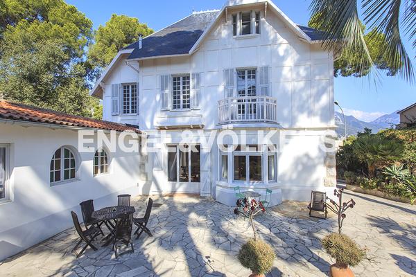 ROQUEBRUNE-CAP-MARTIN - Annonce Maison à vendre7 pièces - 300 m²