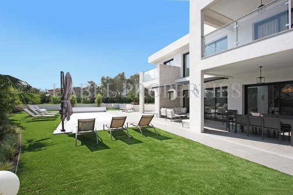 LA ROQUETTE-SUR-SIAGNE - Annonce Maison à vendre6 pièces - 215 m²