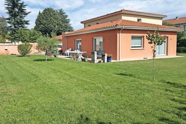 BOURG-LÈS-VALENCE - Annonce Maison à vendre9 pièces - 240 m²