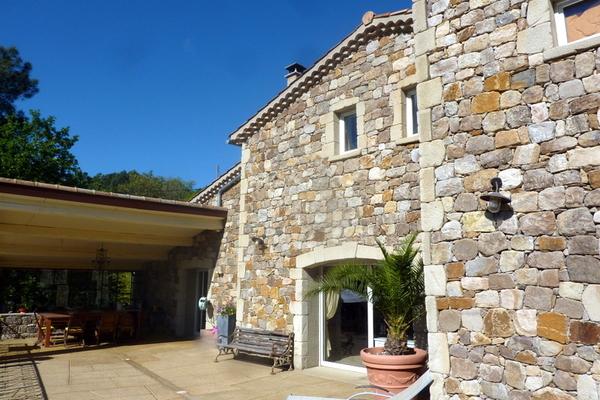 LES VANS - Annonce Maison à vendre8 pièces - 270 m²