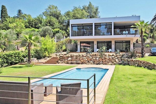 MOUGINS - Annonce Maison à vendre6 pièces - 290 m²