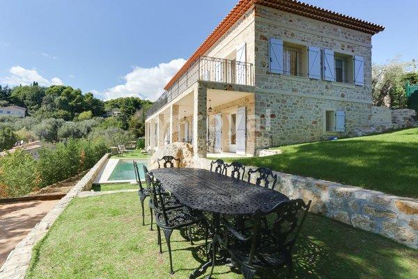 MOUGINS - Annonce Maison à vendre7 pièces - 220 m²