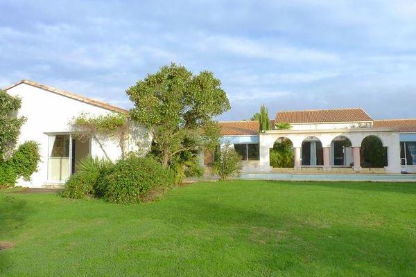 BREUILLET - Annonce Maison à vendre4 pièces - 175 m²