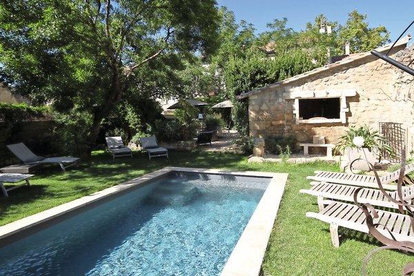 MAUSSANE-LES-ALPILLES - Annonce Maison à vendre9 pièces - 375 m²