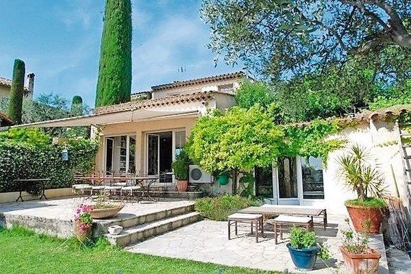 CAGNES-SUR-MER - Annonce Maison à vendre6 pièces - 210 m²