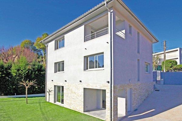 MOUGINS - Annonce Maison à vendre5 pièces - 180 m²