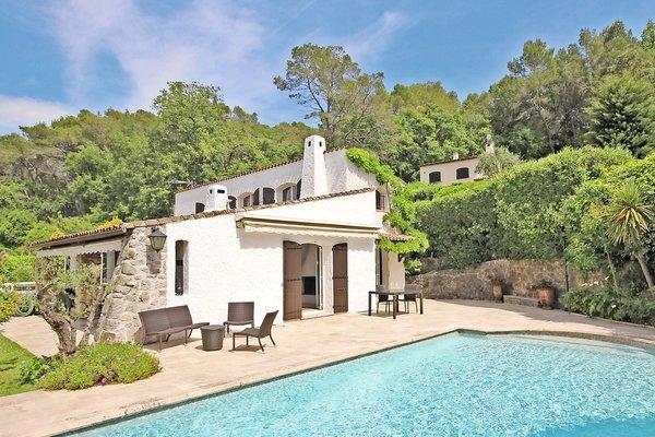 MOUGINS - Annonce Maison à vendre5 pièces - 220 m²