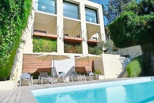 ROQUEBRUNE-CAP-MARTIN - Annonce Maison à vendre5 pièces - 300 m²