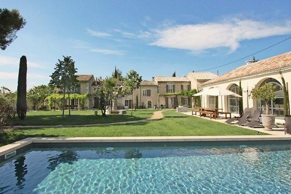 ST-RÉMY-DE-PROVENCE - Annonce Maison à vendre10 pièces - 600 m²