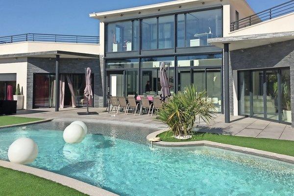 AIX-EN-PROVENCE - Annonce Maison à vendre9 pièces - 300 m²