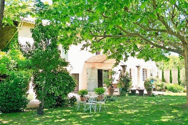EYRAGUES - Annonce Maison à vendre9 pièces - 260 m²