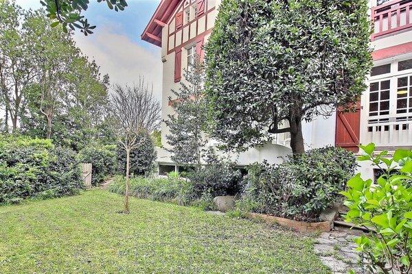 Vente appartement 5 pi ces 253 m biarritz emile garcin for Emile garcin biarritz