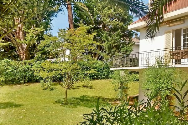 Vente maison villa 8 pi ces 290 m anglet emile garcin for Emile garcin biarritz