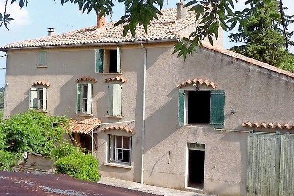 MALEMORT-DU-COMTAT - Annonce Maison à vendre200 m²