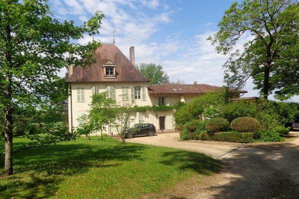BOURG-EN-BRESSE - Annonce Maison à vendre10 pièces - 275 m²
