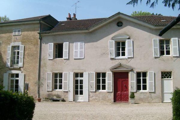 BOURG-EN-BRESSE - Annonce Maison à vendre15 pièces - 600 m²
