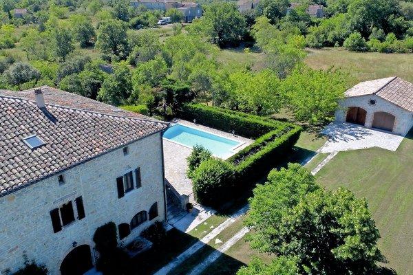 LES VANS - Annonce Maison à vendre10 pièces - 300 m²