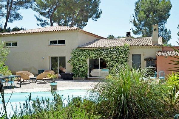 Maison à vendre à ROQUEFORT-LES-PINS  - 8 pièces - 280 m²